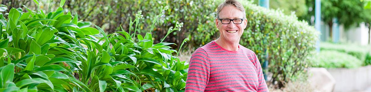 Dr Simon Milne