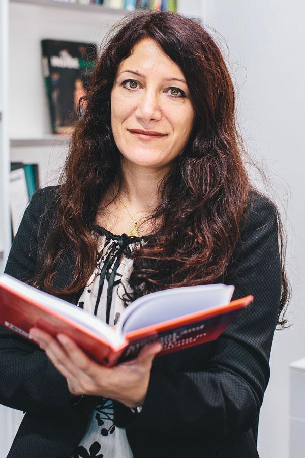 Arezou Zalipour